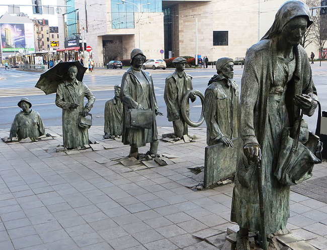 20.) The Monument Of An Anonymous Passerby (Wroclaw, Poland)