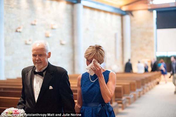 He wanted to renew his vows. He presented his wife Karla with her own bouquet...