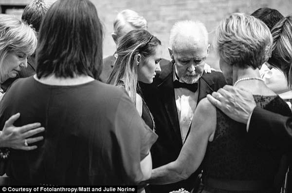 The family gathered together to pray for Gracie and Kate, that they find joy in their future marriages.