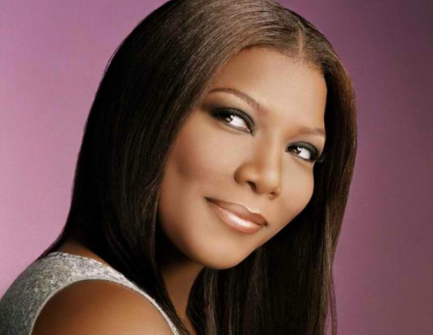 5.) Queen Latifah had aspirations of being a journalist before jumping into the entertainment business.
